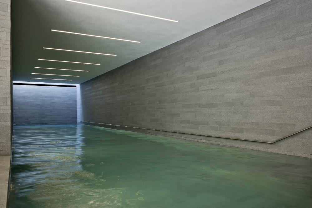 s43 wittfoht architekten Beleuchtung Schwimmbad mit c2 IP68 von Viabizzuno
