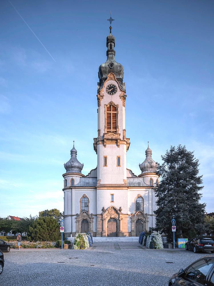 Evangelische Kirche Hockenheim Außenansicht
