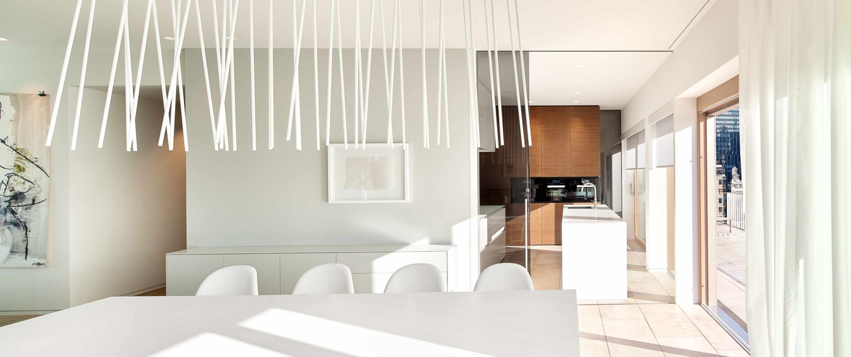 Design-Essplatzbeleuchtung mit der Leuchte peled von Viabizzuno