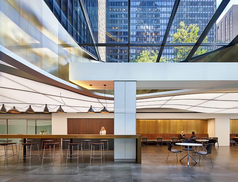 Michigan Plaza Lobby mit TLS Lichtdecke